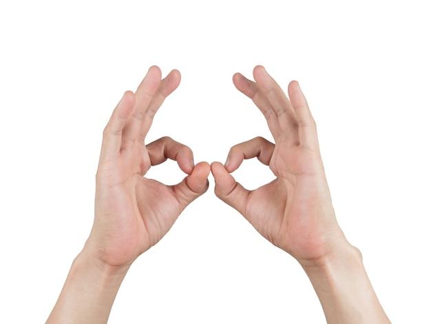 Les mains font ok sur blanc isolé