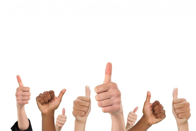 Mains montrant un geste positif