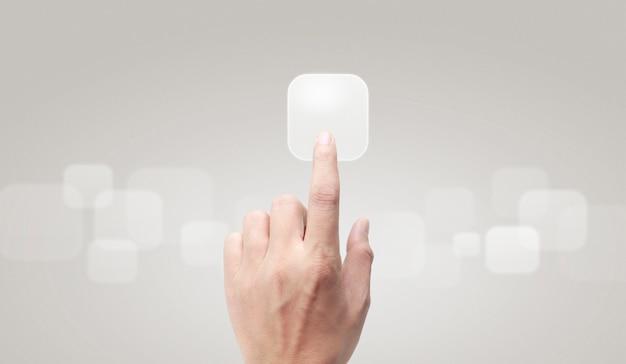 Mains touchant l'interface de l'écran du bouton connexion globale réseau client
