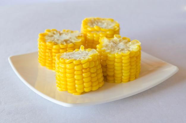 Maïs sur une assiette