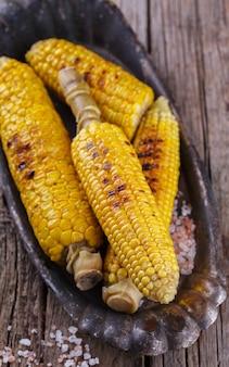 Maïs sur le gril