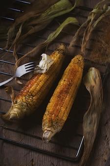 Maïs grillé au beurre noir
