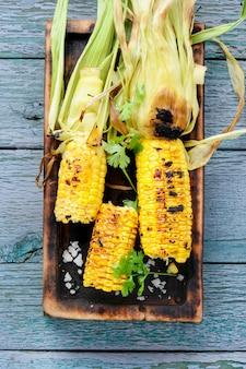 Maïs grillé au sel
