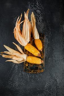 Maïs séché en épis
