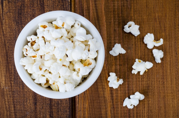 Maïs soufflé croustillant aéré blanc doux
