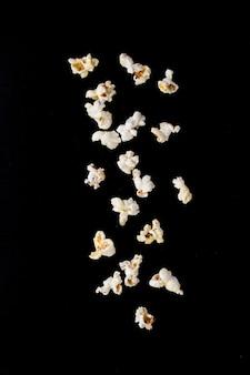 Maïs soufflé salé préparé