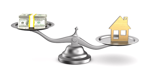 Maison et argent sur des échelles.