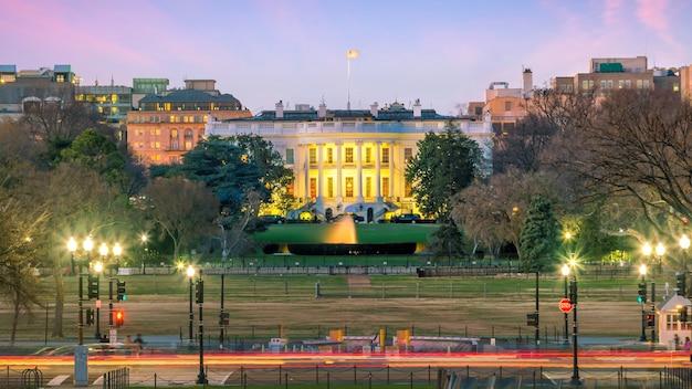 La maison blanche à washington, dc états-unis au crépuscule