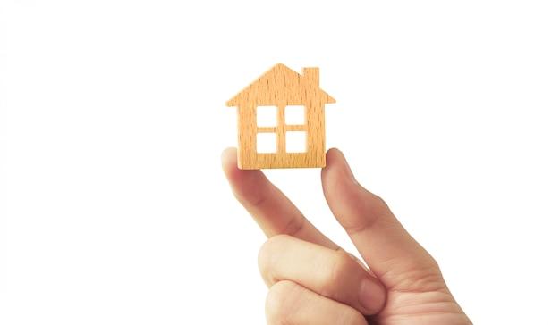 Maison d'habitation à la main