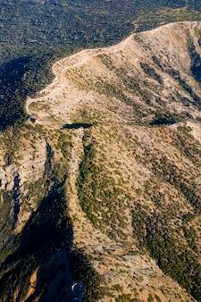 Maison individuelle sur le sommet d'une montagne