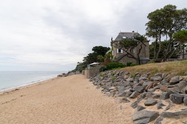 Maison de plage sur l'île de noirmoutier, ile en pays de la loire dans l'ouest de la france