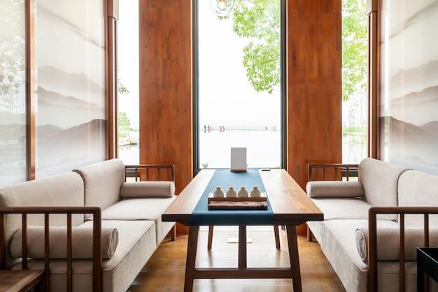 Maison de thé de loisirs d'intérieur avec un style de décoration chinois
