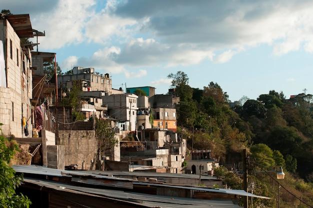Maisons sur une colline, colonia bethania, guatemala city, guatemala