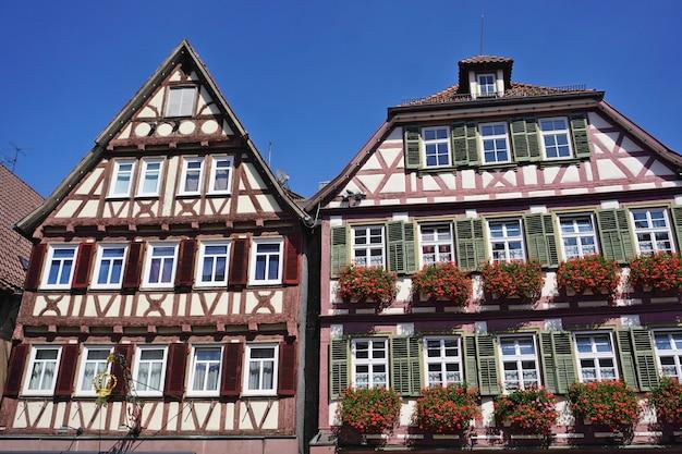 Maisons à colombages historiques sur la place du marché, calw, forêt-noire, bade-wurtemberg, allemagne.