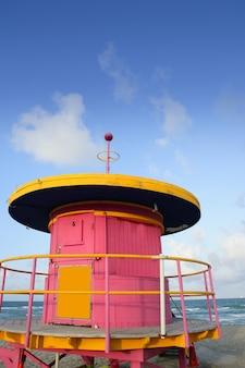 Maisons colorées de maître nageur de miami beach