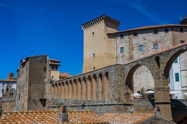 Maisons en pierre de la vieille ville de pitigliano, également appelée la petite jérusalem