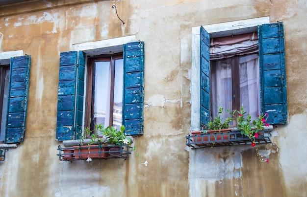 Maisons à venise. rues vénitiennes