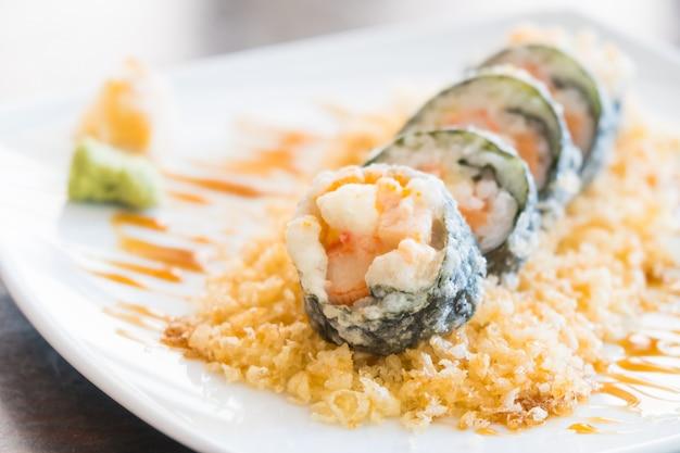 Maki tempura sushi