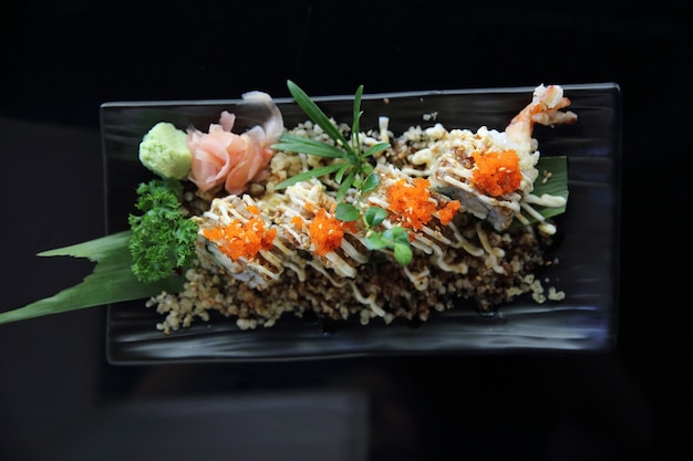 Makis sushis aux crevettes tempura
