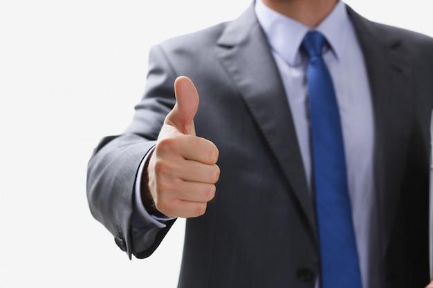 Mâle main montrant ok ou confirmer signe avec les pouces vers le haut