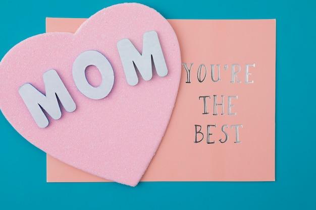Maman tu es la meilleure inscription avec coeur de papier