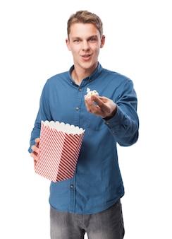 Man popcorn manger