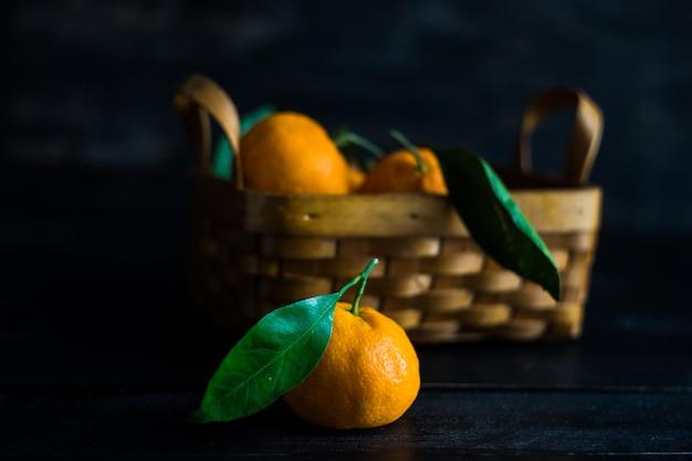 Mandarines biologiques mûres