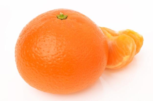 Mandarines sur blanc