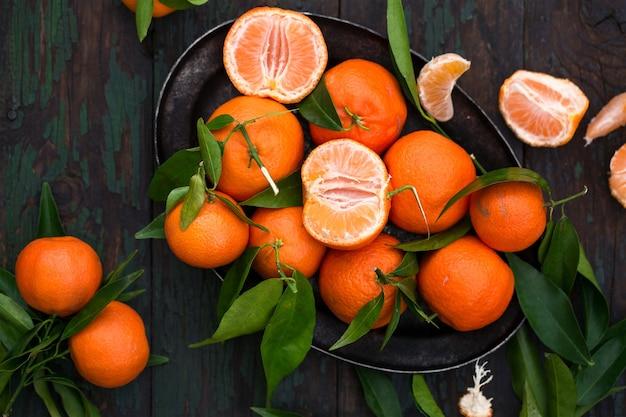 Mandarines sur un plateau