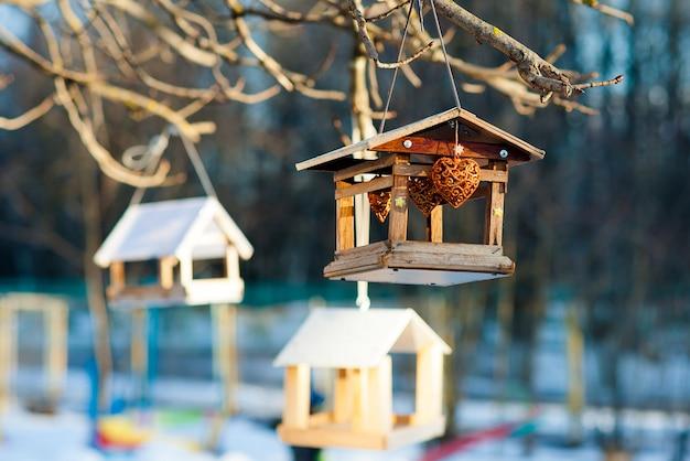 Mangeoires pour oiseaux d'hiver