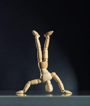 Mannequin en bois humain