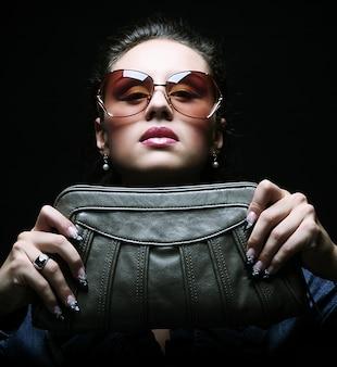 Mannequin avec un sac