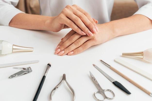 Manucure et outils en bonne santé