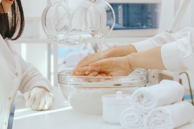 Manucure spa en cours