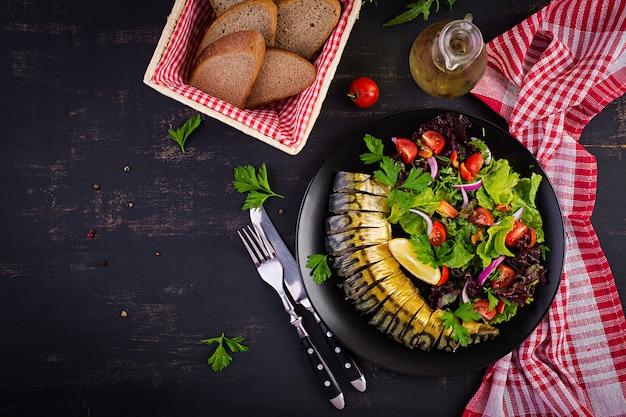 Maquereau fumé et salade fraîche