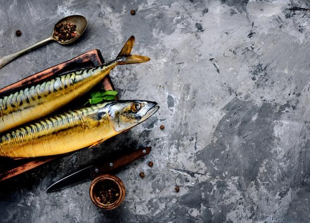 Maquereau de poisson fumé