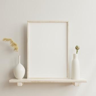 Maquette d'affiche intérieure avec cadre en bois vertical à l'intérieur de la maison