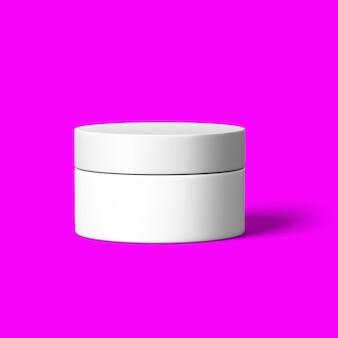 Maquette de bouteille cosmétique réaliste mis en pack isolé sur fond violet rouge. modèle de marque cosmétique rendu.3d.