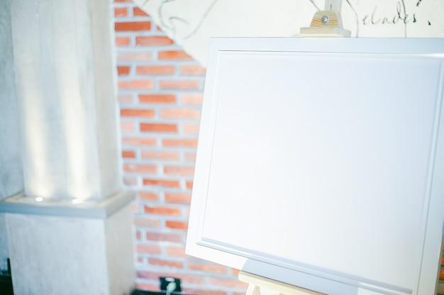 Maquette cadre en blanc