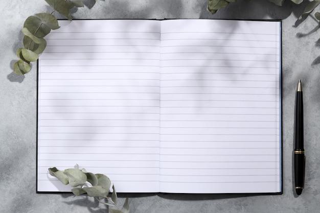 Maquette de cahier vide