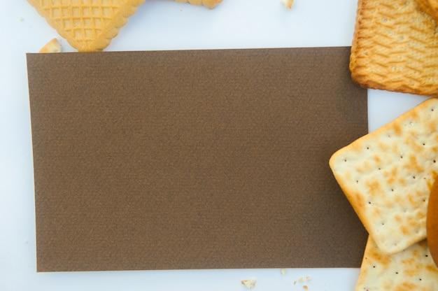 Maquette de cookies avec modèle de liste vide marron