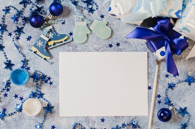Maquette de noël pour carte de voeux ou lettre au père noël en couleur bleue.
