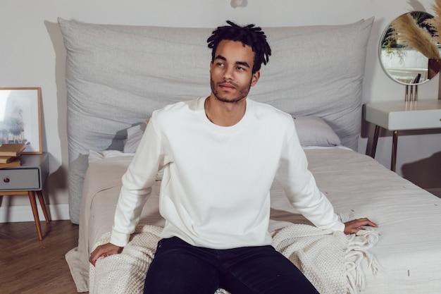 Maquette De T-shirt Blanc Photo Premium