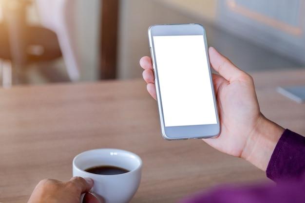 Maquette de téléphone portable avec la technologie de l'écran blanc et concept lifestyle.