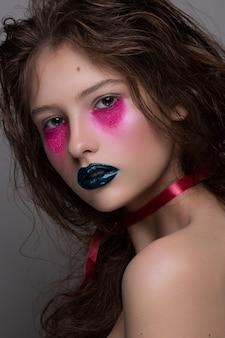 Maquillage art créatif beauté mode modèle fille