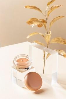 Maquillage concept avec conteneur high angle