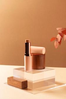 Maquillage concept avec rouge à lèvres