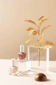 Maquillage concept avec vernis à ongles