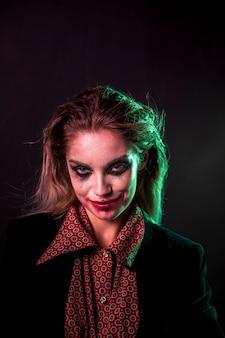 Maquillage et costume d'halloween pour la fête