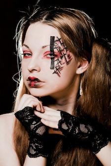 Maquillage gothique créatif